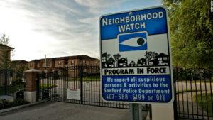 Le ronde di quartiere: la paura dell'estraneo porta anche a questo