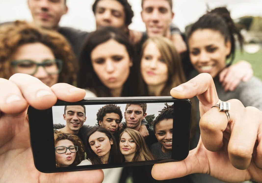 Adolescenti 2.0: quando l'appartenenza di classe è online