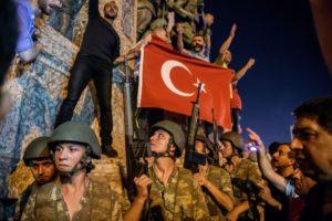 Per golpe bianco si indica un colpo di Stato svolto senza ricorso alla forza, da parte di un governo che eserciti il potere in modo anticostituzionale