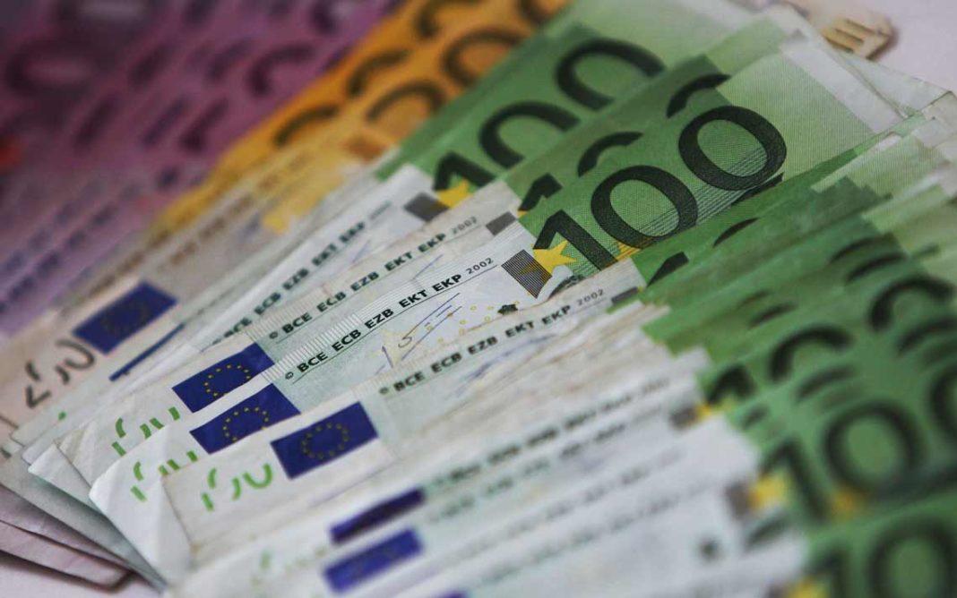 Soldi, soldi, soldi! Dal baratto ai bitcoin, com'è cambiata la moneta (e noi)