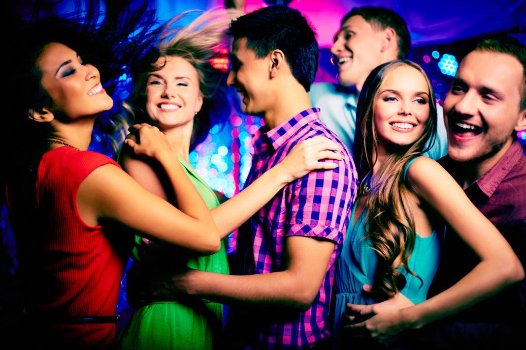 La discoteca pomeridiana: un rituale di socializzazione di ieri e di oggi
