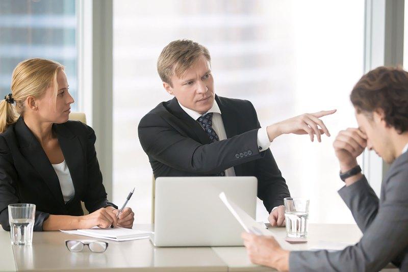 Io Genitore: il boss rimprovera il suo sottoposto