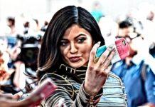 Benvenuti nella società dell'Ego tra selfie, social network e controcultura