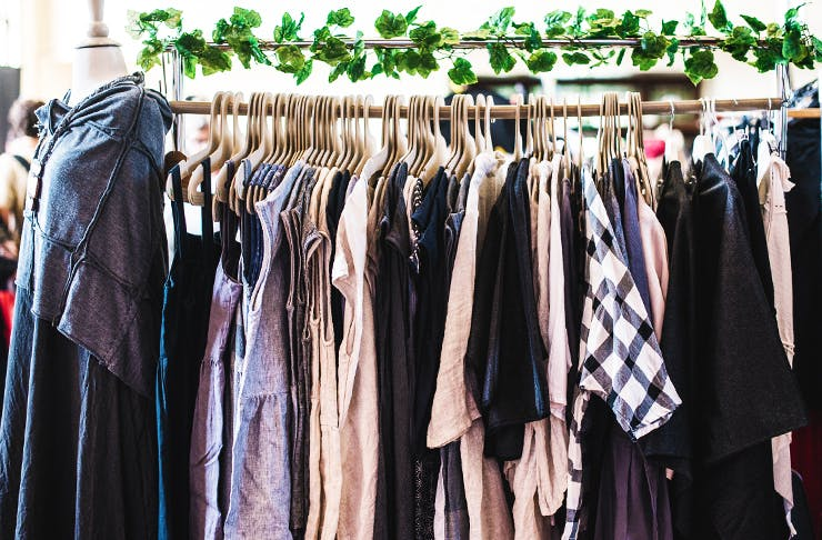 Slow fashion: la filosofia consapevole del consumo