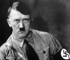 Adolf Hitler è un classico esempio di autorità carismatica