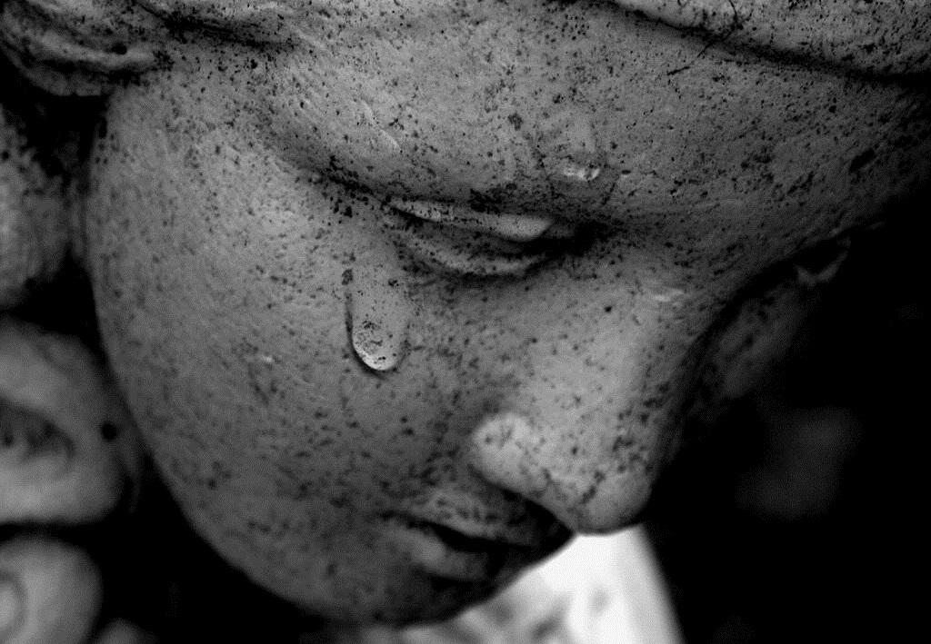 La cherofobia e il bisogno di essere infelici: intervista esclusiva