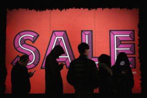 La sfida del minimalismo sta nel combattere il consumismo in tutte le sue manifestazioni