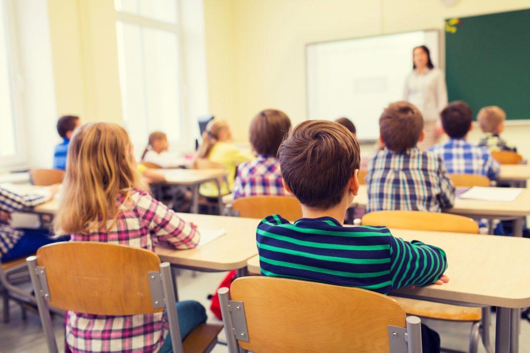 La scuola oggi: incubatore di conoscenza o prigione della creatività?