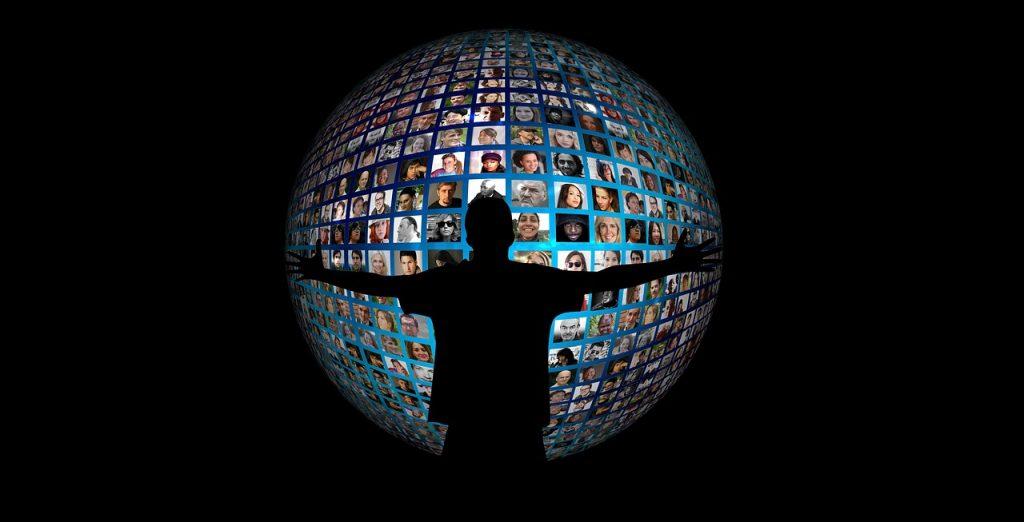 Tra villaggio glocale e prosumer: ecco la democratizzazione mediale