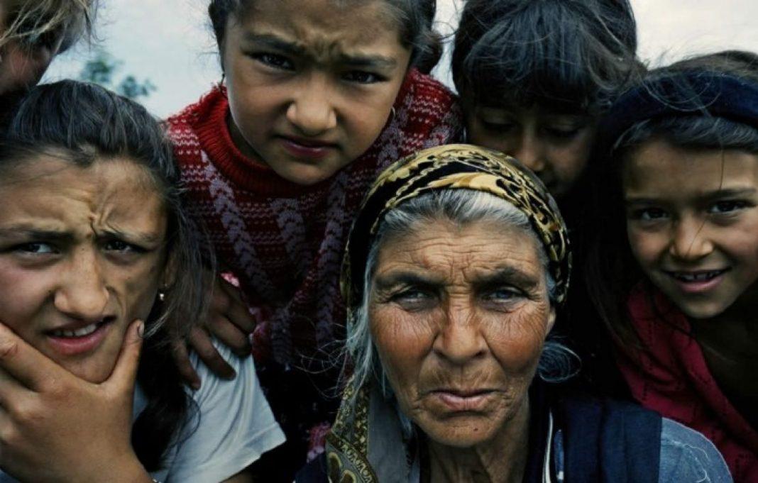 La popolazione rom e sinti in un mondo che non ha tempo