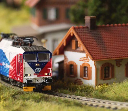 treno modellino