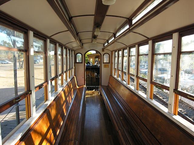 interno treno vintage